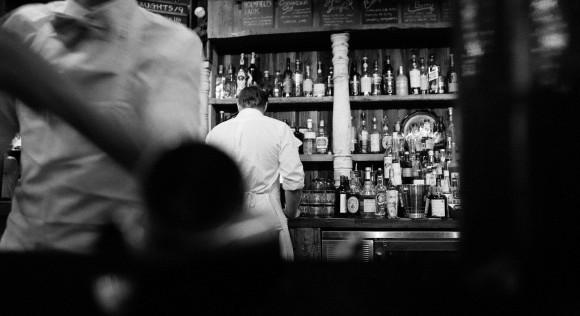 Salariés des Hôtels, Cafés et Restaurants : une double peine inacceptable
